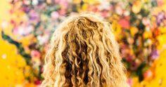 Dicas para recuperar cabelo danificado por química (descoloração, tinta, relaxamento, alisamento) ou por calor (secador, chapinha). Dicas para restaurar a saúde dos fios.