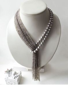 "Krawatte mit grauen Perlen und Achat ""Tropical Rain"" – Diy Schmuck Tie with gray pearls and agate ""Tropical Rain"" – Diy Jewelry Pearl Jewelry, Beaded Jewelry, Jewelery, Handmade Jewelry, Jewelry Necklaces, Beaded Necklace, Agate Necklace, Pearl Necklaces, Wire Earrings"