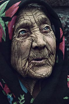 amazing faces | old woman