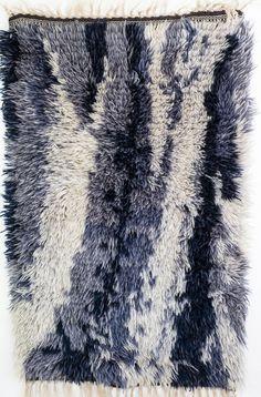 Danish Modern Hand Knotted Wool Rya Rug Mid Century by Wohnstadt Danish Modern, Mid-century Modern, Dark Living Rooms, Rya Rug, Mid-century Interior, Scandinavian Home, Almost Always, Shades Of Blue, Floor Rugs