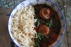 Creamy Coconut Tomato Curry with Noodles – Thehappyspoonieproject