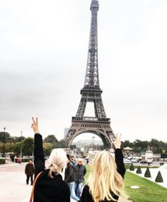Ice blonde and golden blonde in front of the Eiffel Tower