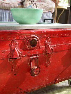 { Flea market Style Porch } Use the old painted trunk as a coffee table… love! Repurposed Furniture, Painted Furniture, Diy Furniture, Furniture Refinishing, Refurbished Furniture, Repurposed Items, Old Trunks, Vintage Trunks, Vintage Suitcases