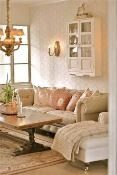 Shabby-Chic Living Room Ideas to Steal // Ideas Farmhouse Style Rustic On A Budget French Modern Romantic Grey Decor Furniture Country DIY Cozy Curtains Vintage Turquoise Couch Cottage Teal Blue Small Black Pink Beach Colors Green Wall Fireplace Gray Whit Casas Shabby Chic, Shabby Chic Mode, Estilo Shabby Chic, Shabby Chic Living Room, Living Room On A Budget, Living Room Grey, Vintage Shabby Chic, Shabby Chic Style, Living Room Modern