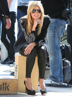 """Could Heidi Klum get any more gorgeous?! This blonde babe rocked modernized, flat-top aviators while takin' a break from filming """"Germany's Next Top Model!"""""""