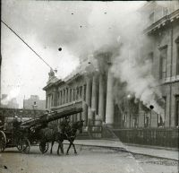 The fires of revolution in Dublin, 1916 Ireland 1916, Dublin Ireland, Ireland Travel, Old Pictures, Old Photos, Irish Independence, Gone Days, Easter Rising, Free State