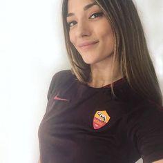 Football Girls, Soccer, Athletic, T Shirts For Women, Jackets, Fashion, Rome, Down Jackets, Moda