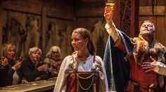 Vikinggildene bød på god mat og drikke. Husfrua fant gjerne fram det beste hun hadde når godtfolk kom på besøk.