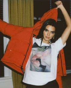 It's pretty sure that often Kendall Jenner has rapidly validated herself to be a supermodel-in-the-making. Estilo Kardashian, Kardashian Jenner, Kendall Jenner Outfits, Kendall And Kylie Jenner, Winter Coats Women, Jacket Style, Dr. Martens, My Idol, Cute Outfits