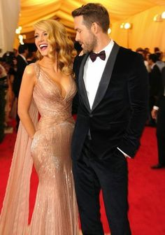 Blake Lively and Ryan Reynolds at the Met Gala 2014 Blake Lively Ryan Reynolds, Blake And Ryan, Ryan Reynolds Hair, Ryan Reynolds Style, Blonde Makeup, Gossip Girls, Blake Lively Pregnant, Blake Lively Hair, Blake Lively Style