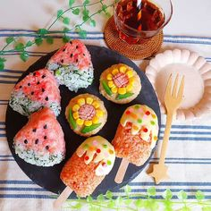 夏のお弁当が満開だー!「 #ひまわりおにぎり 」でランチタイムをハッピーに!|#おうちごはん Cute Food, Good Food, Yummy Food, Fun Easy Recipes, Asian Recipes, Bento Recipes, Cooking Recipes, Onigiri Recipe, Bento Kids