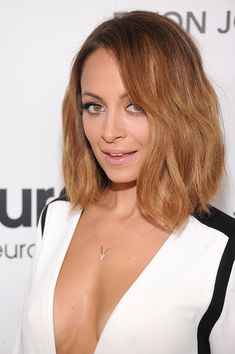 On the lookout for Nicole Richie newest hairstyles? Discover The Hair Evolution Of Nicole Richie right here, together with lengthy hairstyles, brief cuts, and medium hair, Hair Styles 2014, Medium Hair Styles, Short Hair Styles, Hair Medium, Long Bob Haircuts, Long Bob Hairstyles, Medium Haircuts, Latest Hairstyles, Summer Hairstyles