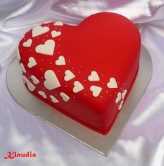 heart-shaped - Heart shaped cakes, gallery, page 5 Valentine Desserts, Valentines Cakes And Cupcakes, Valentine Cake, Fondant Cake Designs, Fondant Cakes, Cupcake Cakes, Fondant Tips, Heart Birthday Cake, Baby Birthday Cakes