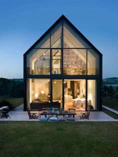Discover the Best Latest Glass House Designs Ideas at The Architecture Design. Visit for more images and ideas about Glass House Designs Ideas. Modern Barn, Modern Farmhouse, House Architecture, Architecture Photo, Beautiful Architecture, Movement Architecture, Japanese Architecture, Sustainable Architecture, Residential Architecture