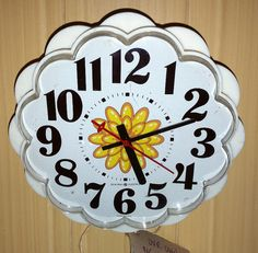 Daisy Fun! Vintage Mid Century Modern Dasiy Clock Retro General Electric Clock Daisy