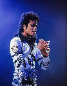 """To give someone a piece of your heart, is worth more than all the wealth in the world. Michael Jackson Dangerous, Michael Jackson Bad Era, Aishwarya Rai Movies, Love Of My Live, Mj Bad, Mike Jackson, Gary Indiana, Love And Respect, Lee Min Ho"