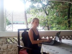 Digital Nomad Interviews: How to Work as a Virtual Assistant