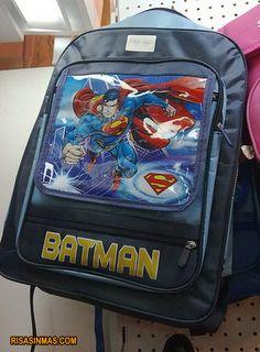 Mochila de ¿Batman o Superman?  http://bit.ly/JczQOi