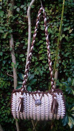 Bolsa Cilindro em Crochet com fio de Malha ou Trapilhos (Crochet Rag Bag).  helenacc.blogspot.com.br