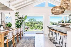 50 Modern Bohemian Style Kitchen Decor Ideas - nevaeh news Casa Pizza, The Grove Byron Bay, Coastal Homes, Coastal Bedrooms, Coastal Cottage, Coastal Living, Coastal Decor, Dining Room Design, Beach House Decor