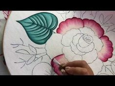 Simple Flower Painting # 1 With Cony - Life Style Hand Painted Dress, Hand Painted Fabric, Painted Clothes, Easy Flower Painting, Flower Art, Fabric Painting, Fabric Art, Hand Embroidery Designs, Embroidery Patterns