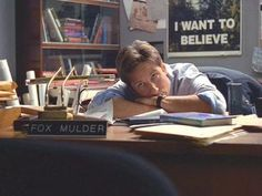 """Fox Mulder from """"The X-Files"""" played by David Duchovny"""