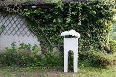 Roma - #outdoorlamps #vase #LED #garden #white