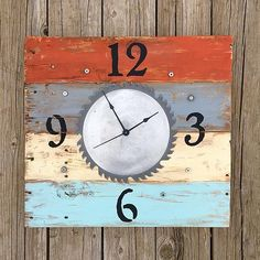Saw Blade Clock for Dad -- Remember Dad this Father's Day with a workshop clock. Diy Gifts For Dad, Diy Father's Day Gifts, Father's Day Diy, Make A Clock, Diy Clock, Remembering Dad, Coastal Wall Art, Diy Workshop, Boys Room Decor