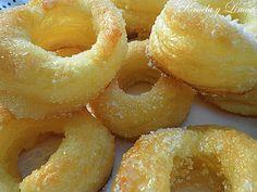 "Kanela y Limón: Rosquillas de hojaldre ""cristaleiro"" Sweet Recipes, Healthy Recipes, Pan Dulce, Spanish Food, Onion Rings, Dessert Recipes, Desserts, Sin Gluten, Doughnuts"