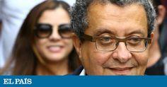 O publicitário João Santana, homem forte das campanhas eleitorais da ex-presidenta Dilma Rousseff (PT), foi condenado a mais de oito anos de prisão pelo juiz federal de primeira instância Sérgio Moro, pelo crime de lavagem de dinheiro no âmbito da Operação Lava Jato. A mulher e sócia do marqueteiro, Mônica Moura, também recebeu a mesma pena. Eles podem recorrer em liberdade.