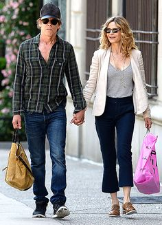 Kevin Bacon and Kyra Sedgwick — married for 26 years — held hands on a shopping date in New York City on June Hooray For Hollywood, Hollywood Stars, Classic Hollywood, Kyra Sedgwick, Celebrity Couples, Celebrity Style, Dating In New York, Kevin Bacon, Actor