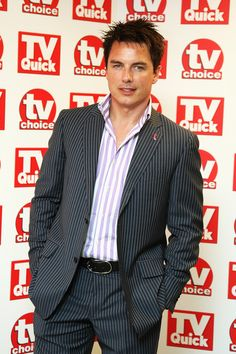John Barrowman Photos - John Barrowman arrives at the TV Quick and TV Choice Awards at the Dorchester on September 8, 2008 in London, England. - TV Quick & TV Choice 2008 Awards - Arrivals