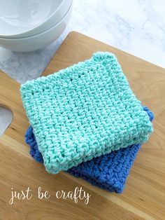Moss Stitch Dishcloth & Video Tutorial - Just Be Crafty Moss Crochet Stitch, Moss Stitch, Reverse Single Crochet, Crochet Crafts, Yarn Crafts, Free Crochet, Crochet Dishcloths, Crochet Patterns For Beginners, Knitting Patterns