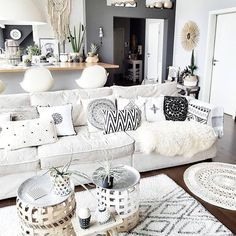 """41 Me gusta, 4 comentarios - AnitaAntoniaElisabethWalraven (@madebytonia) en Instagram: """"Time to share a photo of the creative and nice home belonging to sweet @belliwood_boholiving She is…"""""""