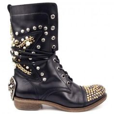 Mercedeh Shoes - leather boots with skulls and studs