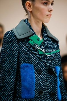 Prada - Fall 2015 Ready-to-Wear - Look 22 of 143