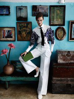 Karlie Kloss by Mario Testino   Vogue US July 2012