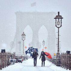 暴風雪下的紐約街角照片,有如 19 世紀印象派名畫!?