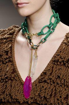 Iceberg Fall 2011 - Details V Jewelry Art, Jewelry Accessories, Fashion Accessories, Fashion Jewelry, Jewelry Design, Jewellery, Statement Jewelry, Gemstone Jewelry, African Jewelry
