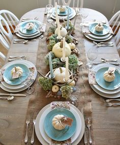 Thanksgiving table setting - www.lovelucygirl.com