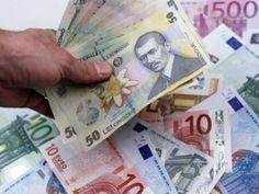 Luni, cursul euro a fost de 4,4756, pentru ca vineri el să scadă la 4,4597 lei, după ce, în 19 decembrie, crescuse la 4,4806, nivel care a mai fost atins la finele lui iunie. Comparativ cu finalul lui 2012, leul înregistrează o scădere de 3,10 bani. Volumele de transfer au fost reduse, parcursul euro fiind […]