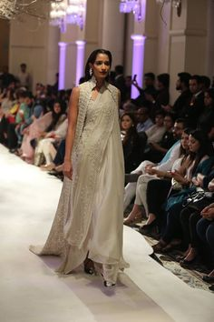 Anamika Khanna-collection-India-couture-week-2016-122