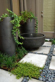 Y por qué no utilizar estos maravillosos maceteros en un rincón del jardín...