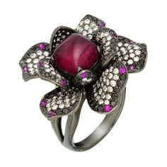 Wendy Yue Ring with 1.32 ct diamonds, sapphires 3.68 ct, rubellite 3.02ct, grenades 2.12 ct