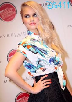 """Videos: Debby Ryan Talked With Fanlala About """"Jessie"""""""