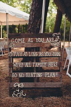 Rustic wedding sign wood | http://wonderfulweddingphotos.blogspot.com