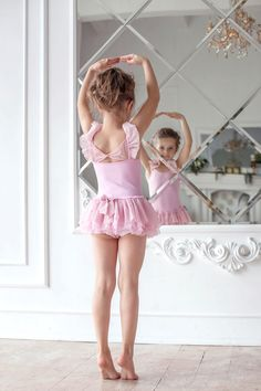 little ballerina by Anastasia Zaberezhnaya Cute Little Girl Dresses, Little Girl Models, Cute Young Girl, Beautiful Little Girls, Cute Girl Outfits, Cute Little Girls, Girls Dresses, Flower Girl Dresses, Ballerina Photography