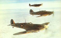 """Two """"Seafire"""" and a """"Sea Hurricane"""" of 894 Sqn of the Fleet Air Arm. The """"Seafire"""" in the foreground is serial type IIc. Mustang, Hawker Hurricane, Aviation Image, Supermarine Spitfire, Ww2 Planes, Battle Of Britain, Ww2 Aircraft, Royal Air Force, Royal Navy"""