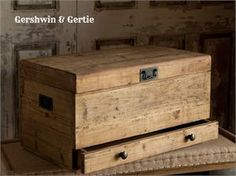 Gertie's Vintage-Style Cargo Trunk: