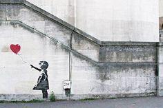 Banksy mural venta londres movil - 10 Breathtaking Pieces of Love Street Art  <3 <3